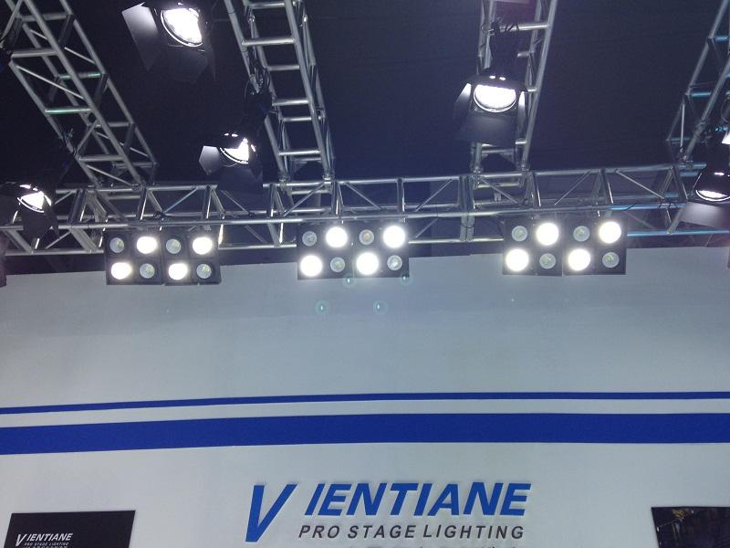 LED四眼观众灯
